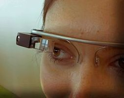 Google Glass use in the operating room raises concerns.